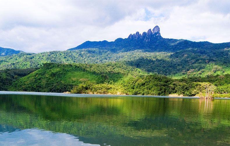 Baoting Qi Xianling Rainforest Park