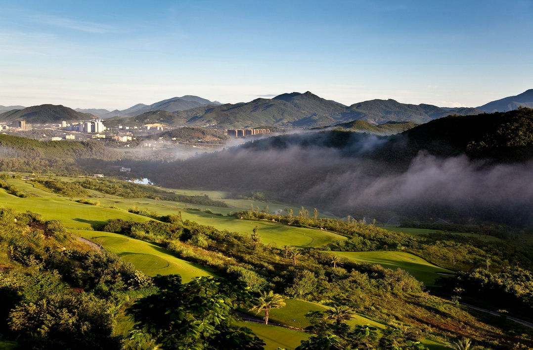 Dragon-Valley-Golf-Club-Sanya-Hainan-Island2