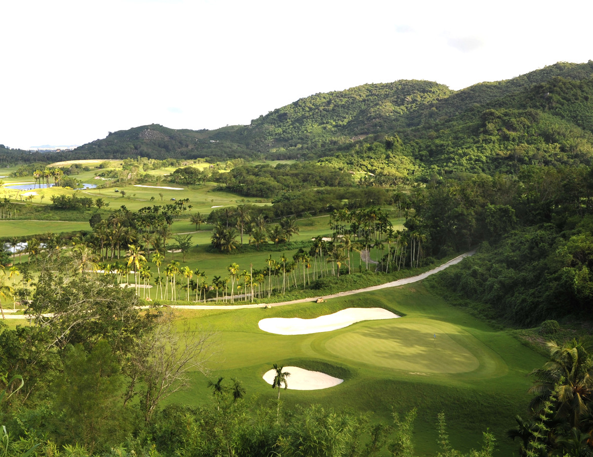 Mystic Springs Golf Club Sanya Hainan4