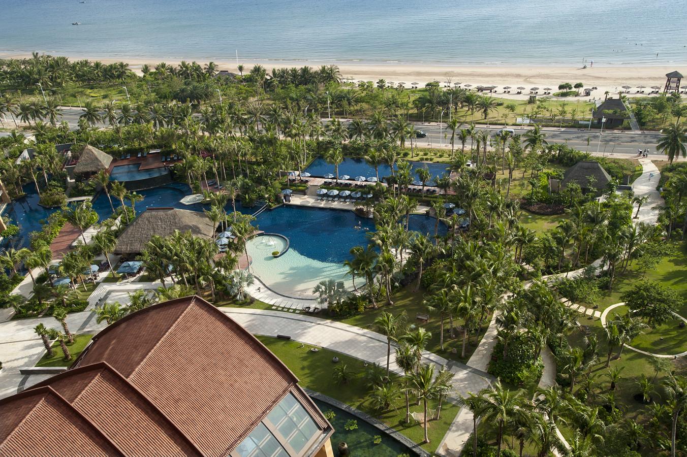 Pullman Ocean View Resort Sanya Bay Hainan China Travel