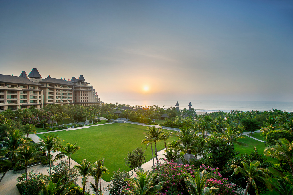raffles resort clear water bay lingshui hainan island