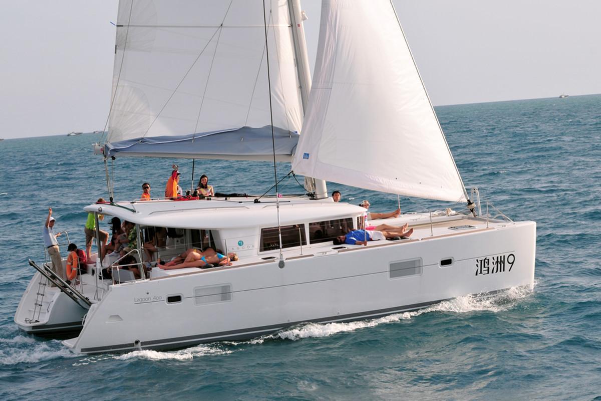 Yacht Rental/catamaran Rental/Sail Boat Rental in Sanya Hainan Island-Visun 9 Beneteau Lagoon Catamaran
