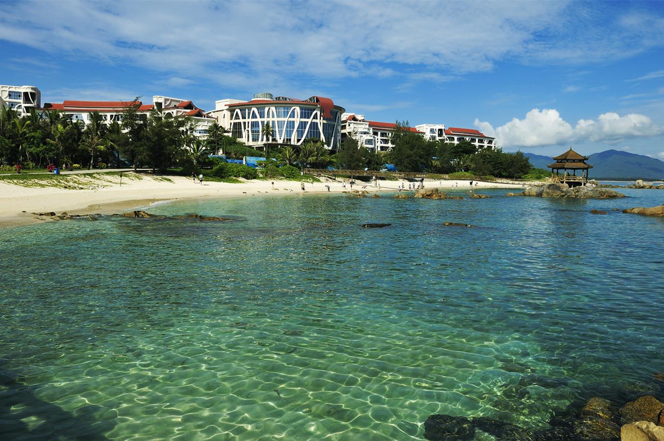 Wuzhizhou Coral Resort Sanya Hainan Island, right on Wuzhizhou Islet