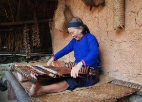 Baoting Hainan Binglanggu Local Li & Miao Minority Culture Park Day Tour & Travel Guide