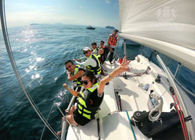 Sanya 90-minute sailing package